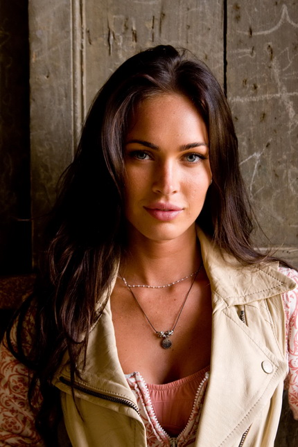 megan fox transformers wallpaper hd. hot megan fox wallpaper hd.